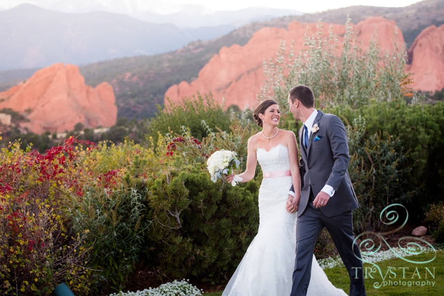 Wedding photography at shove chapel and the garden of the - Hotels near garden of the gods illinois ...