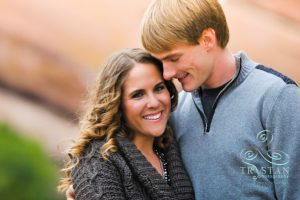 Rebekkah and Gabe's Perfect Autumn Engagement Session