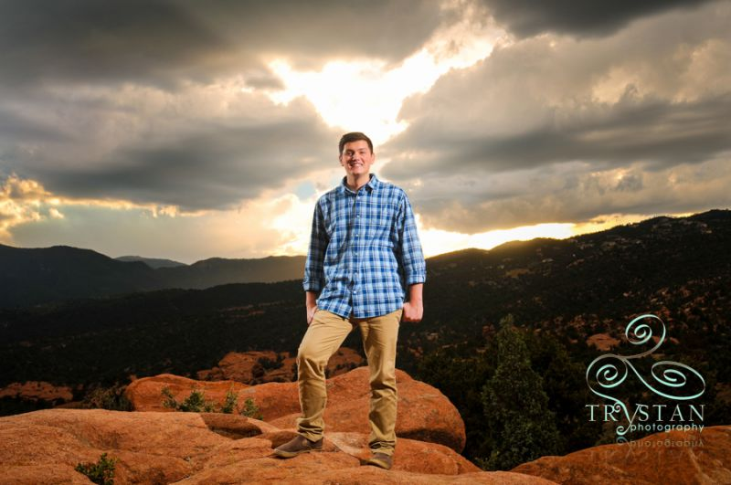 Senior Season 2015 is here! – Kyle's rainy session at Garden of the Gods